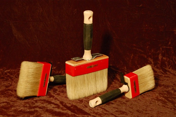 Small lime paint brushes